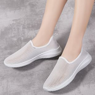 Women's Round Toe Fabric Flat Heel Sneakers (147966511)