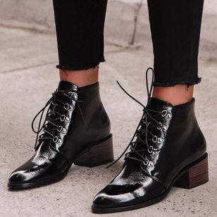 Women's Lace-up Ankle Boots Closed Toe Pointed Toe Chunky Heel Boots (106703116)