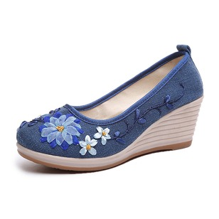 Embroidery Low Top Cloth Wedge Heel Shoes