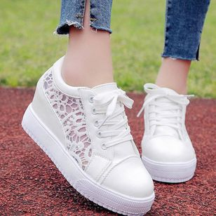 Women's Lace-up Closed Toe Lace Wedge Heel Sneakers (147202380)