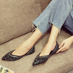 Rhinestone Pointed Toe PU Flat Heel Shoes