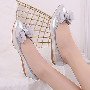 Bowknot Closed Toe Sparkling Glitter Low Heel Shoes