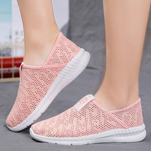 Women's Hollow-out Round Toe Fabric Flat Heel Sneakers (100447398)