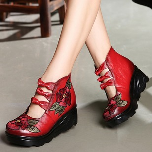 Embroidery Wedge Heel Shoes