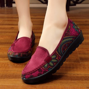 Flower Split Joint Round Toe Cloth Flat Heel Shoes