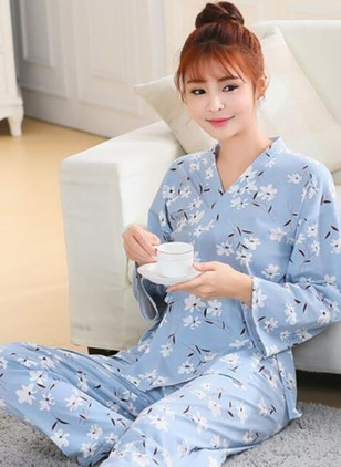 Cotton V-Neckline Floral Sashes Pajamas