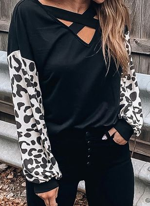 Leopard V-Neckline Long Sleeve Casual T-shirts (107805652)