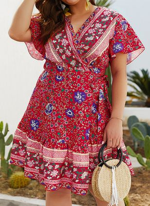 Plus Size Skater Floral V-Neckline Boho Sashes Plus Dress (1510857)