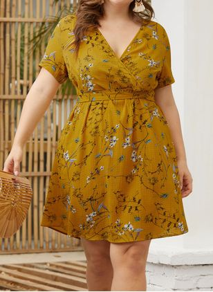 Plus Size Casual Floral V-Neckline Above Knee X-line Dress (1319035)