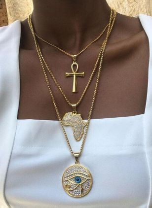 Club Round Crystal Pendant Necklaces (4045528)