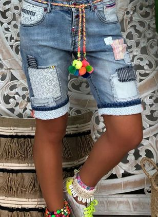 Casual Skinny Buttons Zipper Pattern Pockets Mid Waist Polyester Jeans Shorts (146981075)
