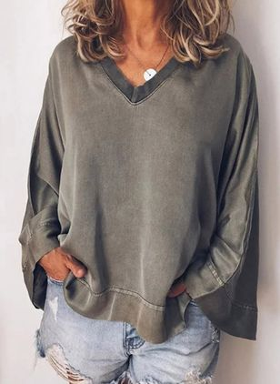 Solid V-Neckline Long Sleeve Casual T-shirts (106704131)