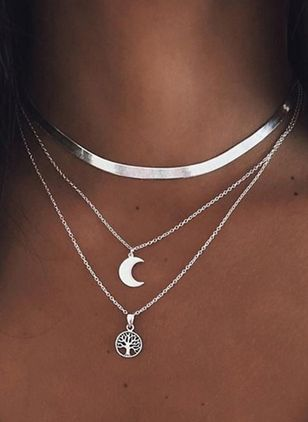 Elegant Moon No Stone Pendant Necklaces (4041317)