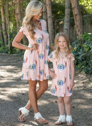 Mommy and Me Floral Casual Short Sleeve Family Outfits (4074127)