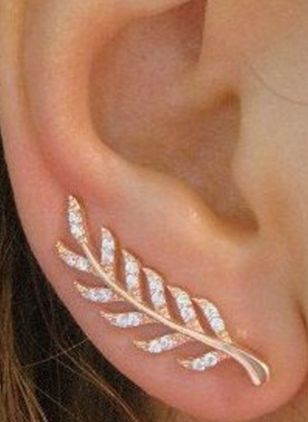 Elegant Floral Crystal Stud Earrings (1527807)