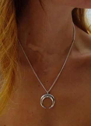 Sexy Moon No Stone Pendant Necklaces (4134936)