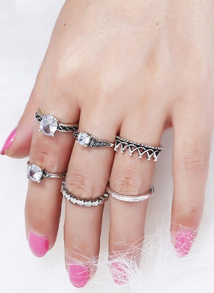 Round Crystal Rings 6pcs