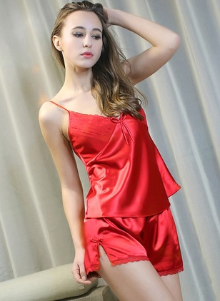 Polyester Camisole Neckline Lace Bow Pajamas