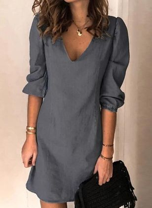 Casual Solid Tunic V-Neckline Shift Dress (5502308)