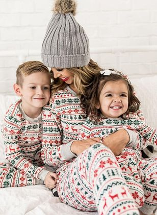 Mommy and Me Floral Christmas Long Sleeve Family Outfits (146738401)