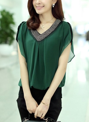 Polyester Solid V-Neckline Short Sleeve Casual T-shirts