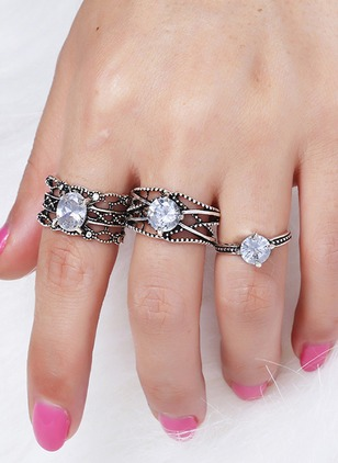 Round Crystal Rings 3pcs