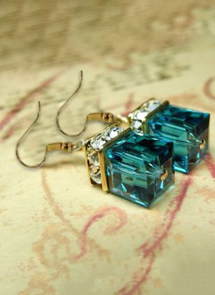 Casual Geometric Gemstone Dangle Earrings (146987005)