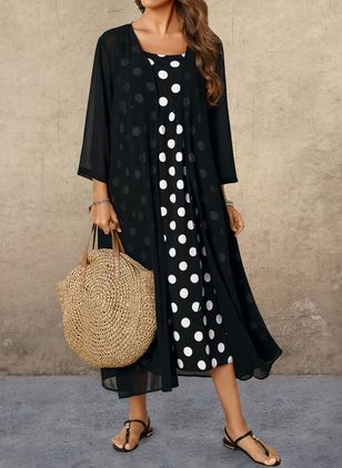 Plus Size Polka Dot Round Neckline Casual Buttons Maxi Plus Dress (1451111)