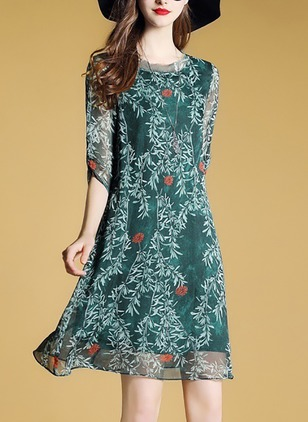 Floral 3/4 Sleeves Knee-Length Shift Dress