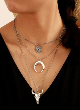 Elegant Moon Animal No Stone Pendant Necklaces (5502281)