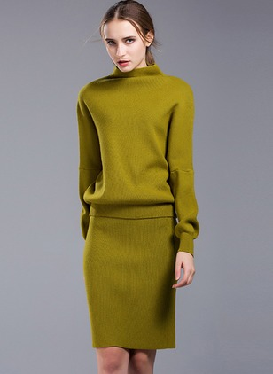 Solid Sweater Long Sleeve Above Knee Shift Dress