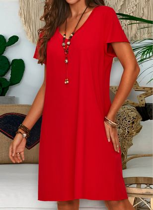 Plus Size Tunic Solid V-Neckline Casual Knee-Length Plus Dress (1319357)
