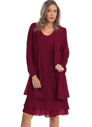 Plus Size Elegant Solid Round Neckline Knee-Length Shift Dress (1289974)